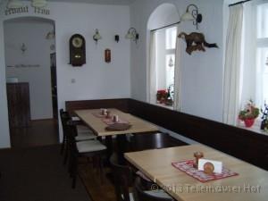 Im Jahr 2007 wurde durch den neuen Besitzer eine gemütliche Gaststätte für bis zu 20 Personen
